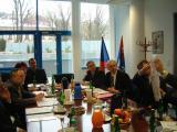 Jednání hejtmana s Günterem Vallentinem v sídle Libereckého kraje